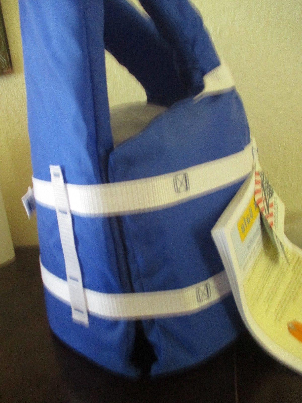 COLEMAN Stearns Universal Jacket Boating Vest BLUE